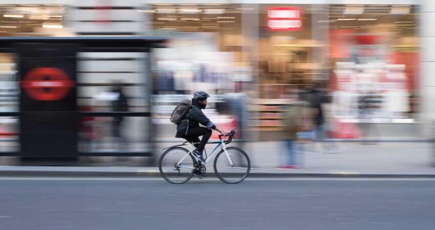 jazda rowerem po ulicy